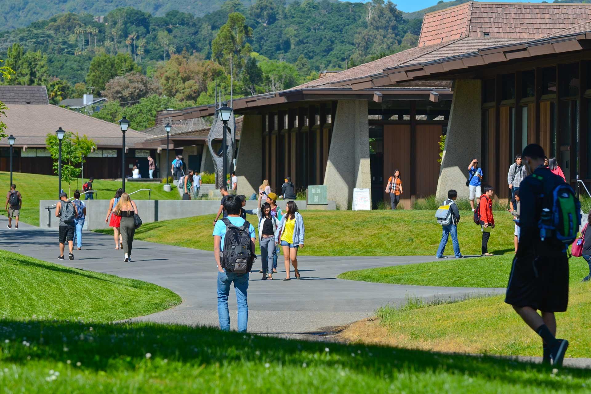 Studera på Foothill College och De Anza College